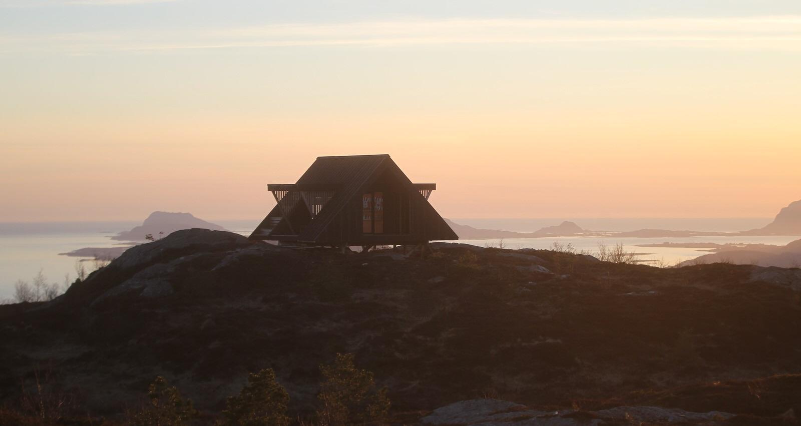 Dagsturhytta på Fløgjen i Florø. Foto: Stig Roger Eide.