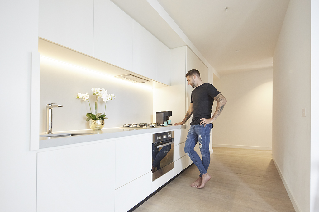 EMPIRE-MELBOURNE-SHORT-STAY-APARTMENT-KITCHEN.jpg