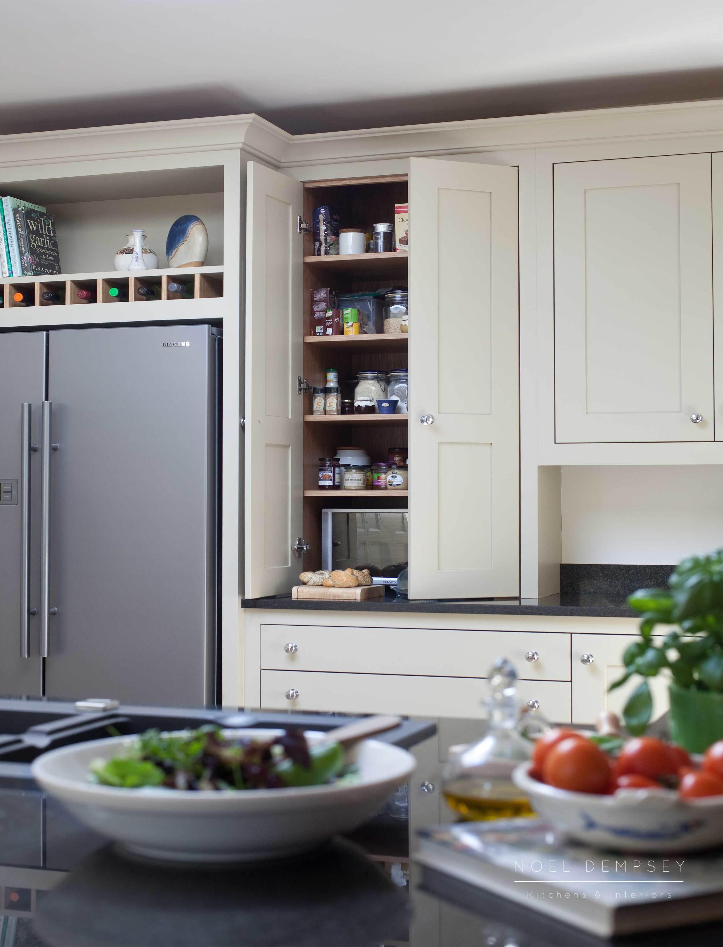 Bellvue-Hand-Painted-Kitchen-5.jpg