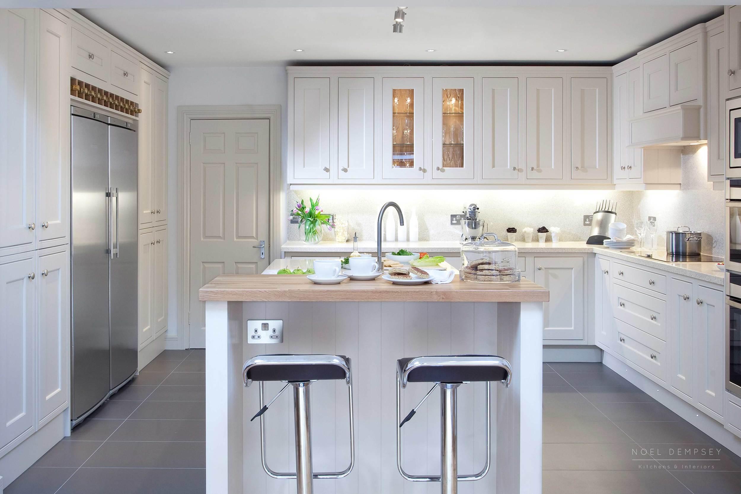 Skimming Stone Kitchen Cabinets