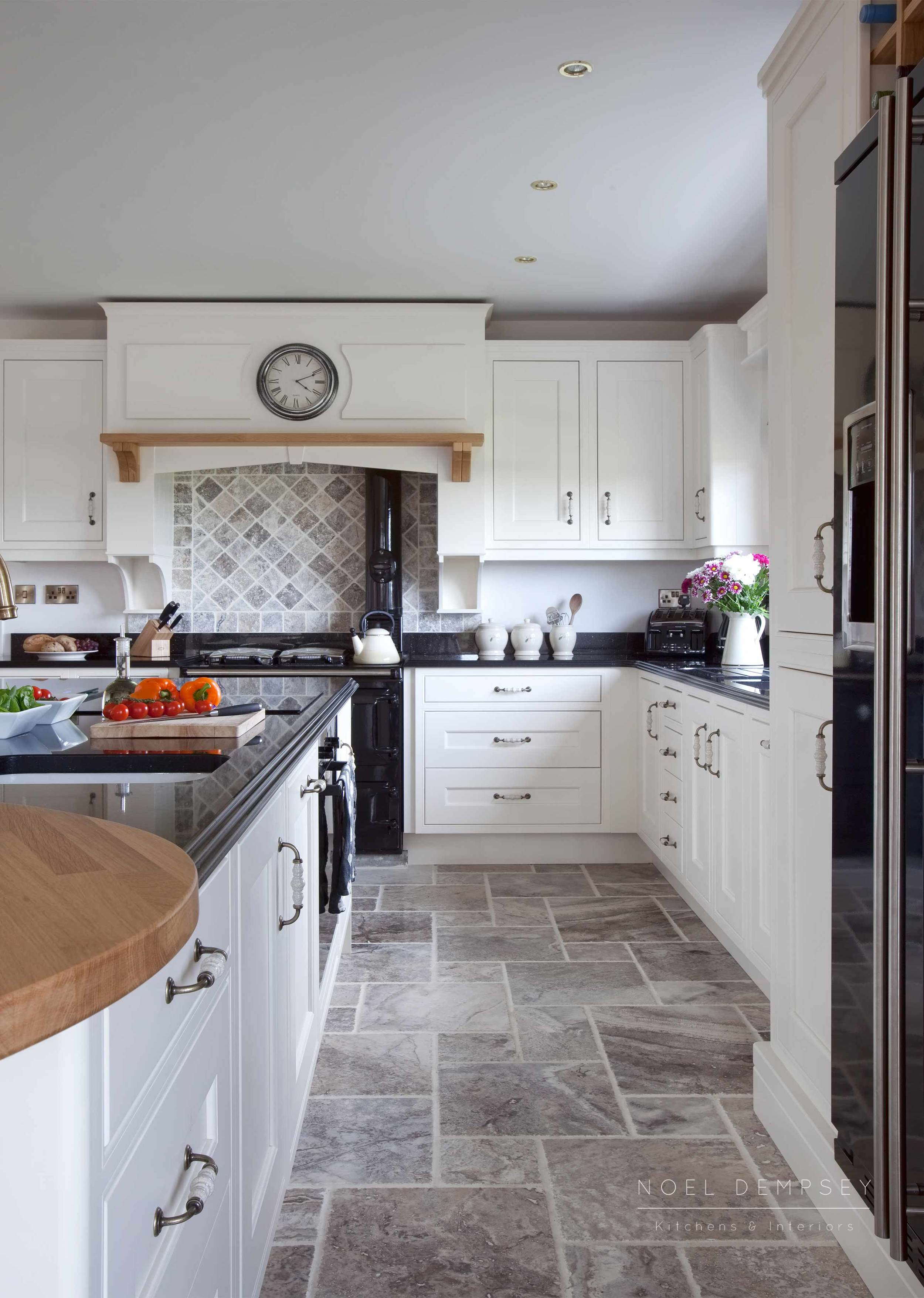 Fox-lane-inframe-hand-painted-kitchens-2.jpg