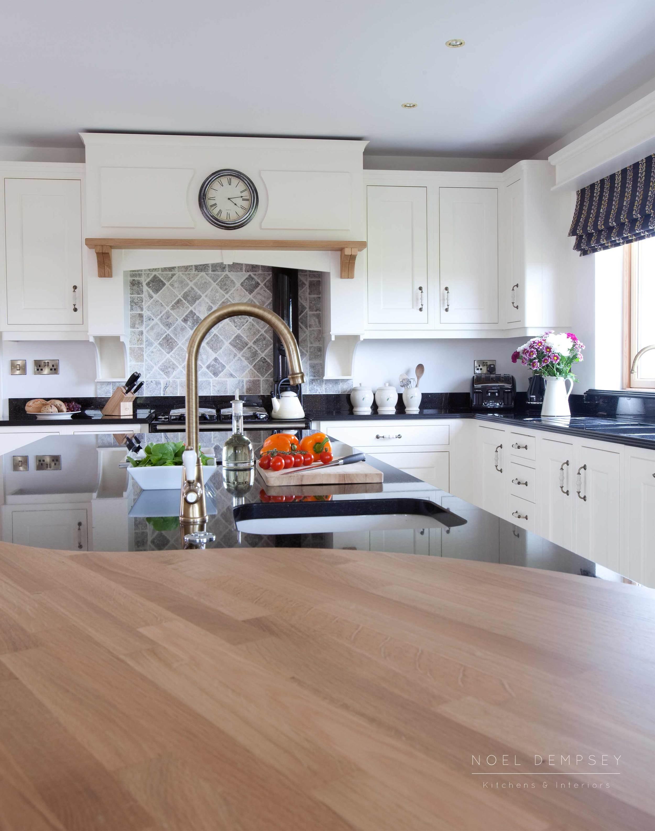 Fox-lane-inframe-hand-painted-kitchens-3.jpg