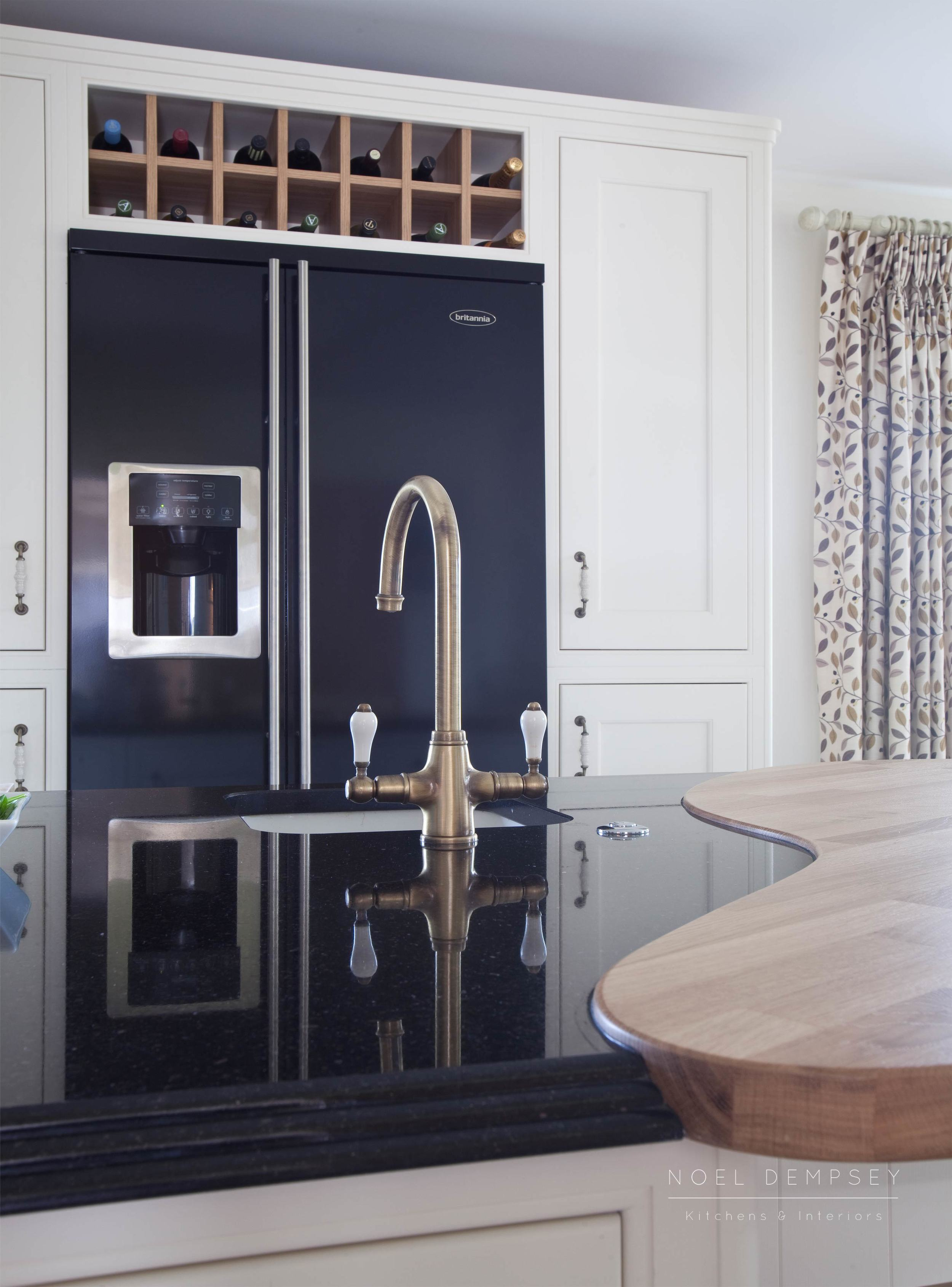 Fox-lane-inframe-hand-painted-kitchens-4.jpg