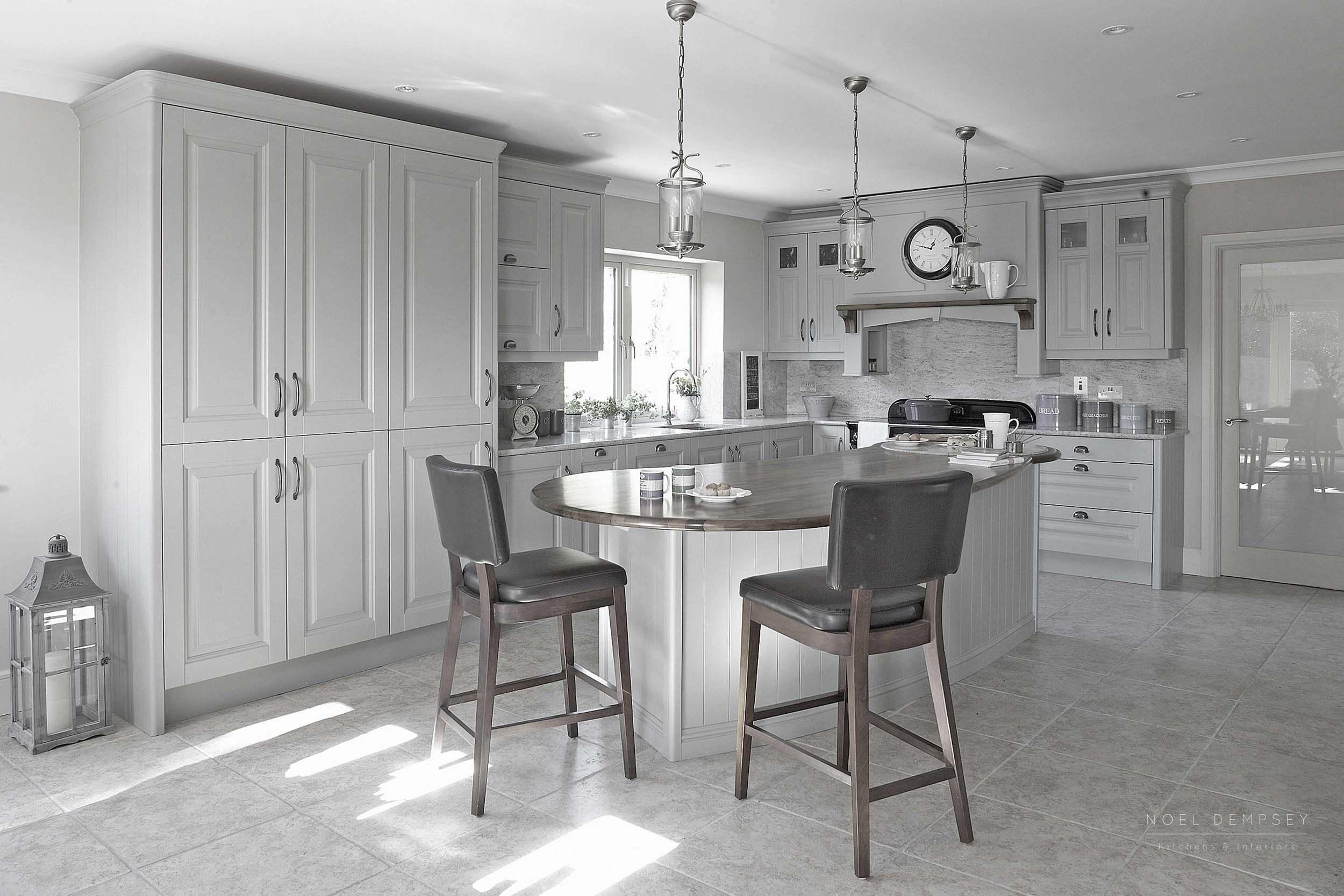 Hand painted kitchen - Noel Dempsey