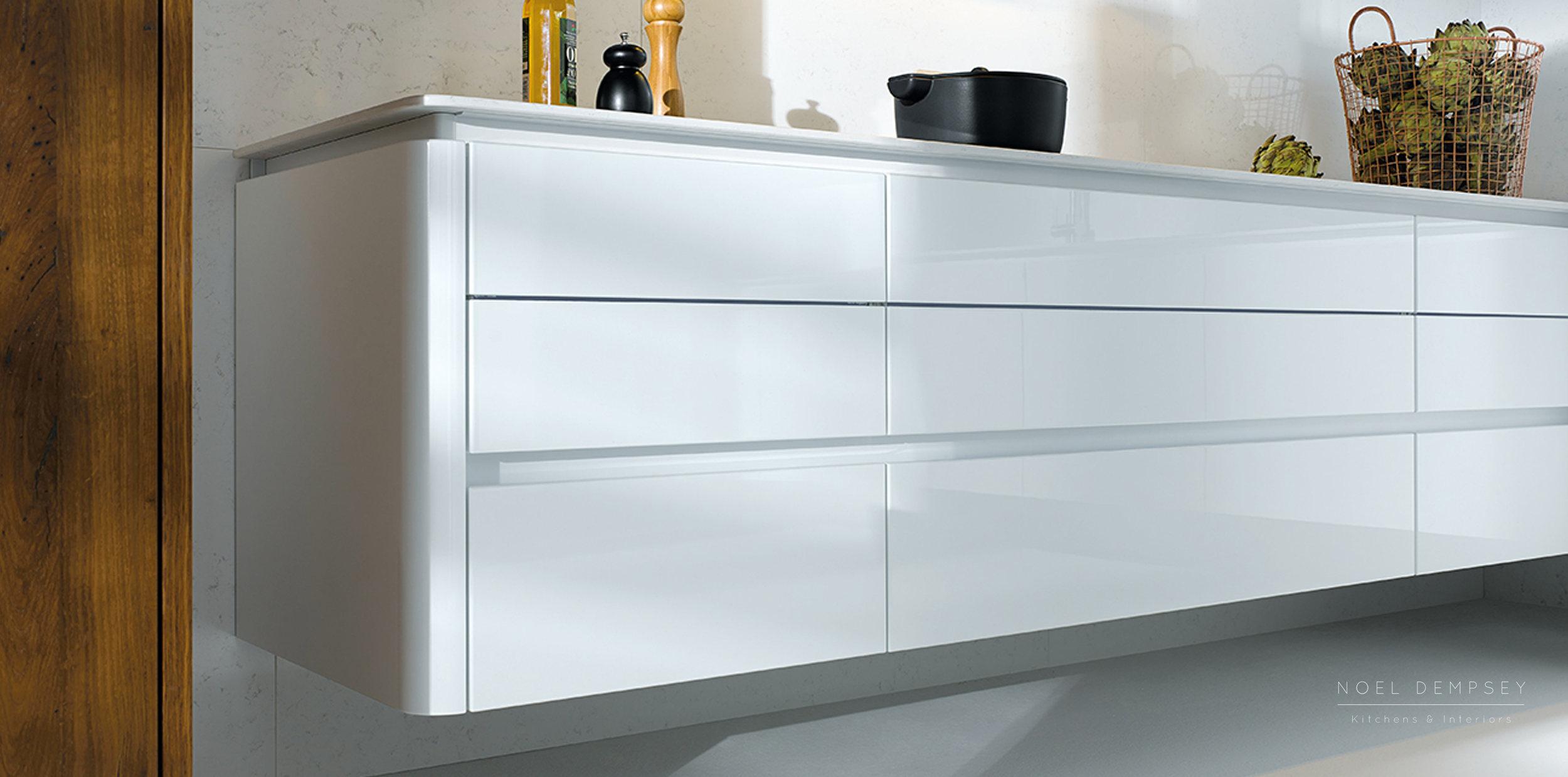 NX501-Crystal-White-Gloss-German-Kitchen-3.jpg