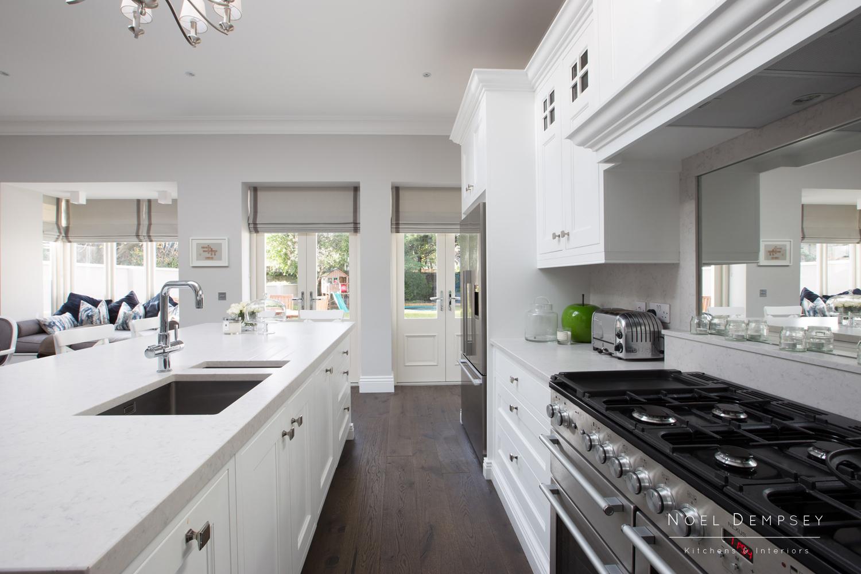 Merrion-Hand-Painted-Kitchens-4.jpg
