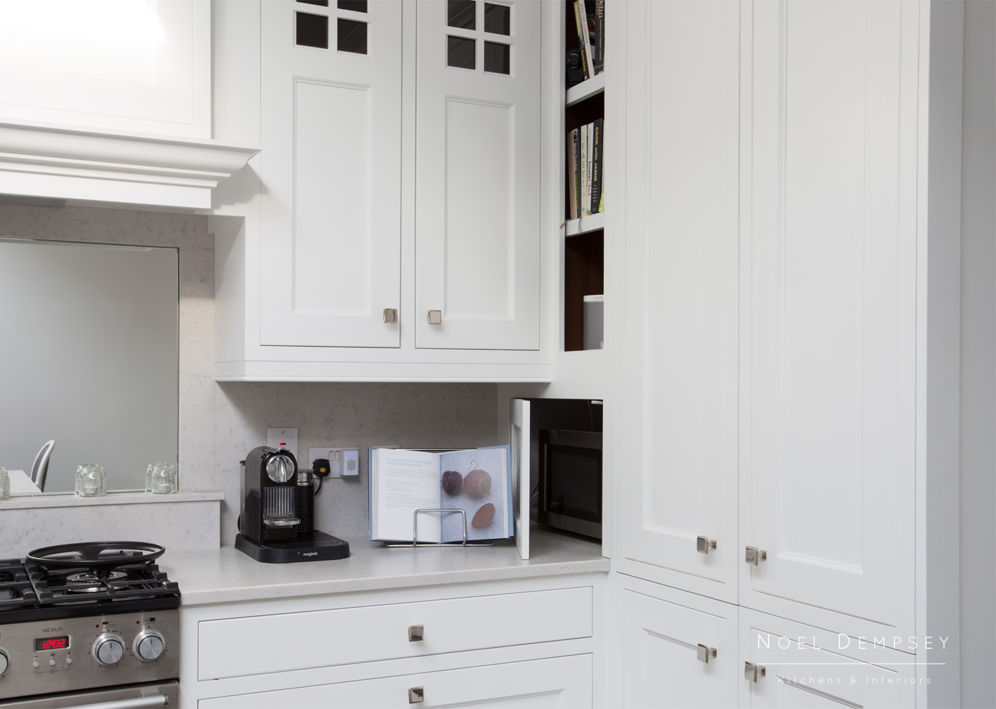 Merrion-Hand-Painted-Kitchens-6.jpg