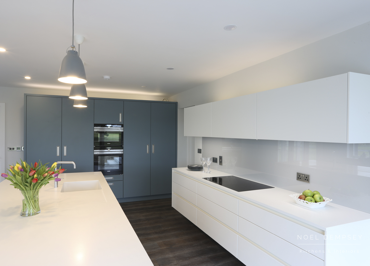 Strand-View-Modern-Kitchens-4.jpg