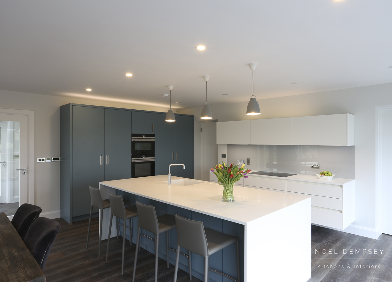 Strand-View-Modern-Kitchens.jpg