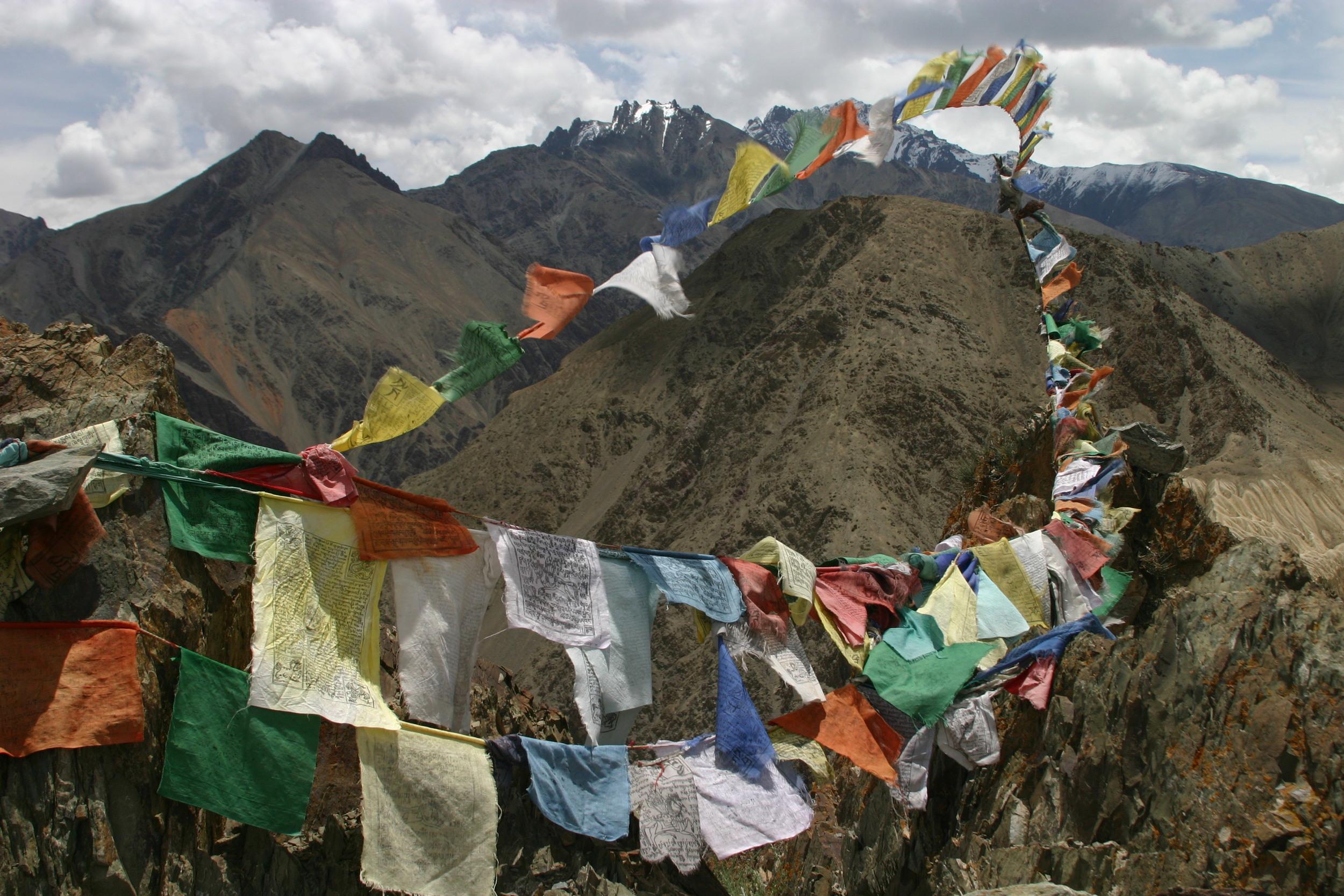 249 Prayer flags on way to Lamayuru 2.JPG