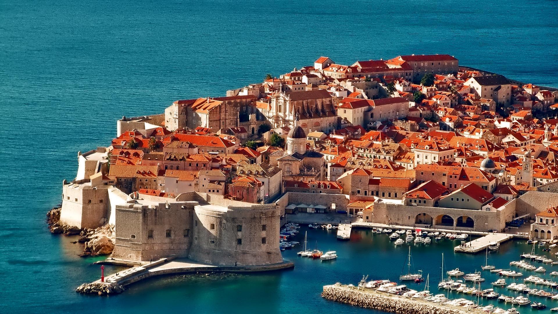 Dubrovnik_-_Old_Town.jpg
