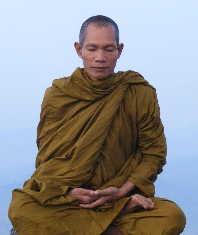 Abbot_of_Watkungtaphao-Luang_Phor_Somchai.jpg
