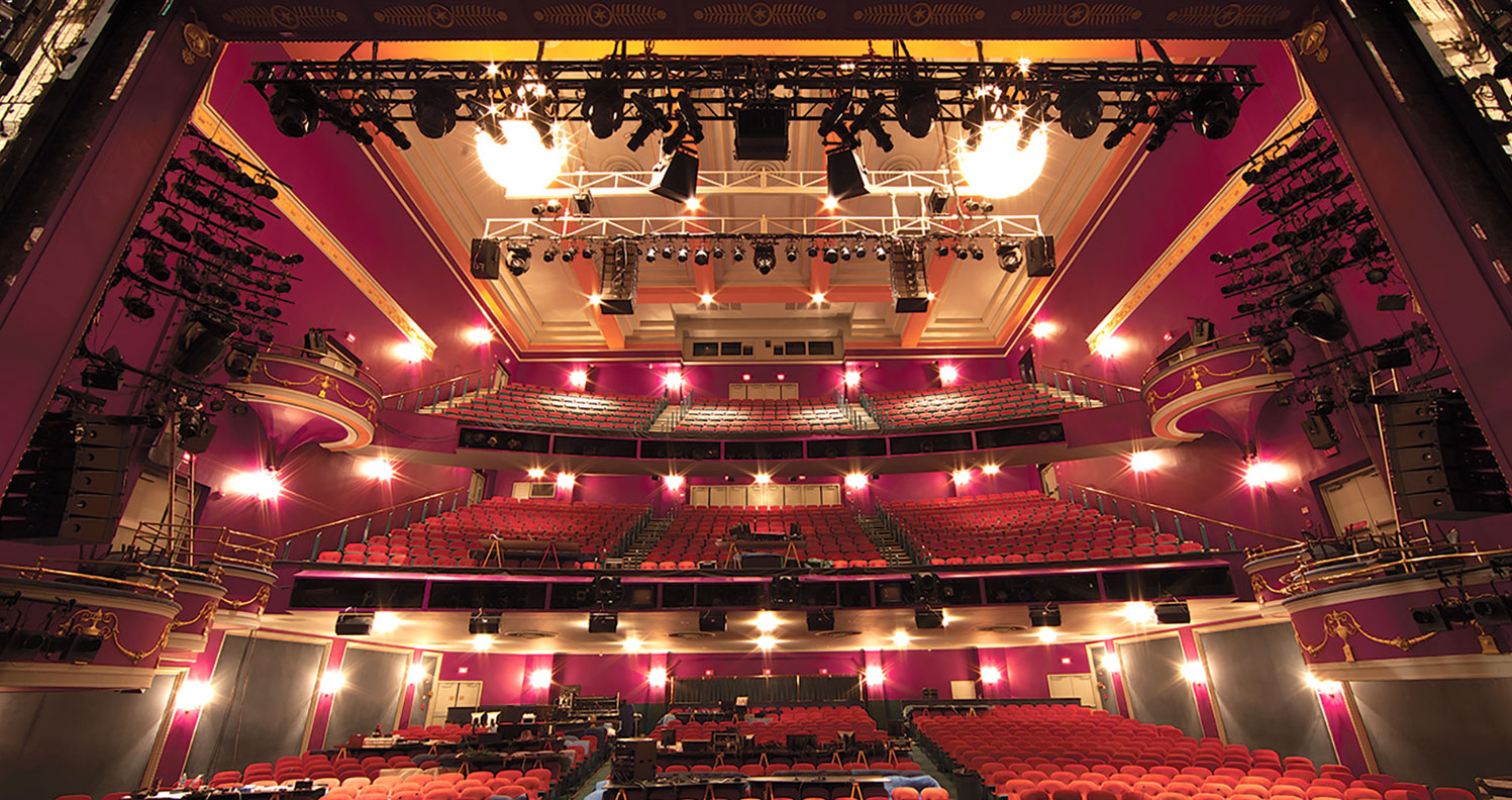 "<div align=""left"">The National Theatre</div>"
