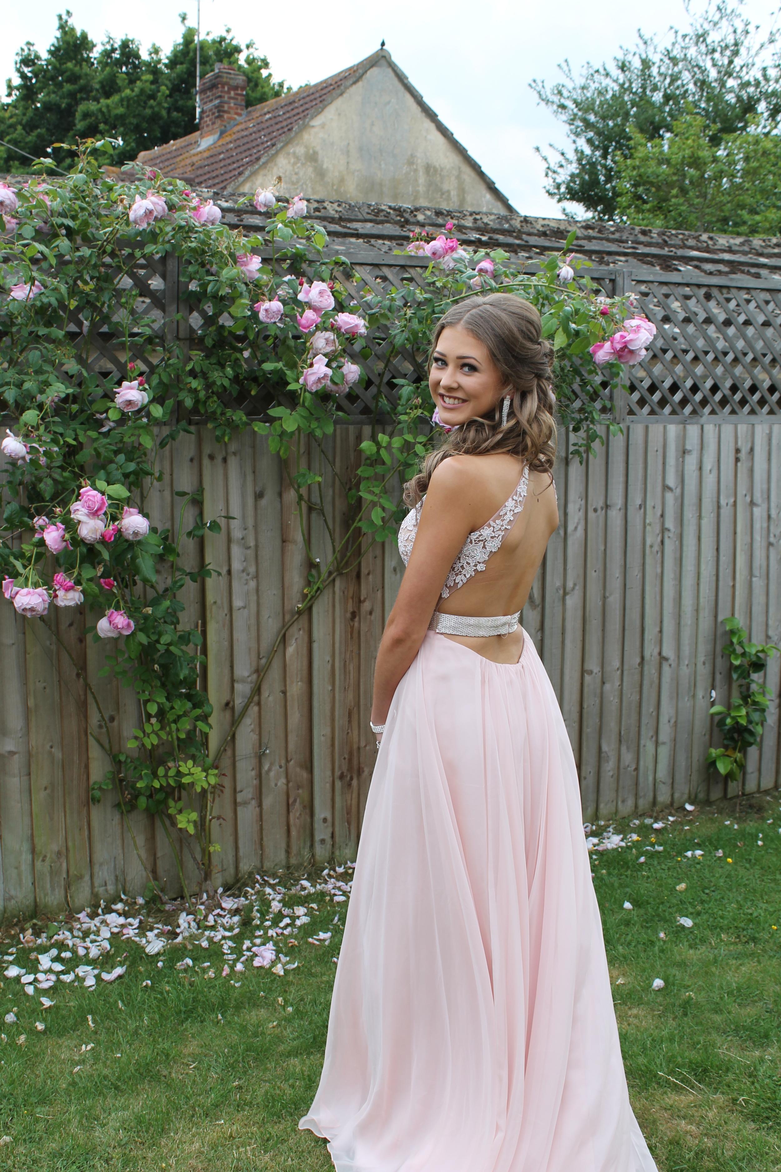 prom dresssss.JPG
