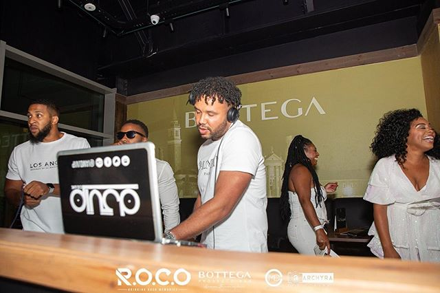 R.O.C.O all white ⚪️⚪️ party was non stop vibes... once the lights went off  Ps. Yes! My daughter can't speak yet but can switch my laptop cover round the wrong way 🤷🏽‍♂️