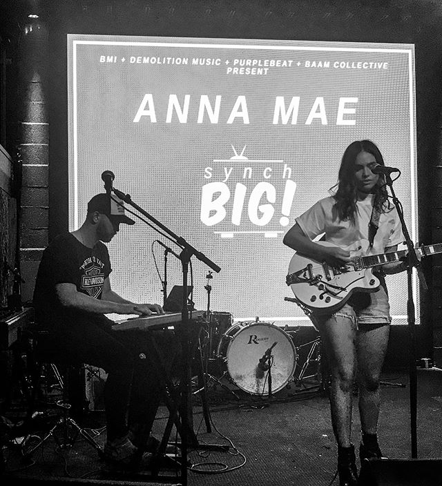 ready to be on this show high all the time ✨ thanks for coming out last night friends and thanks @synchbigmusic for having me!