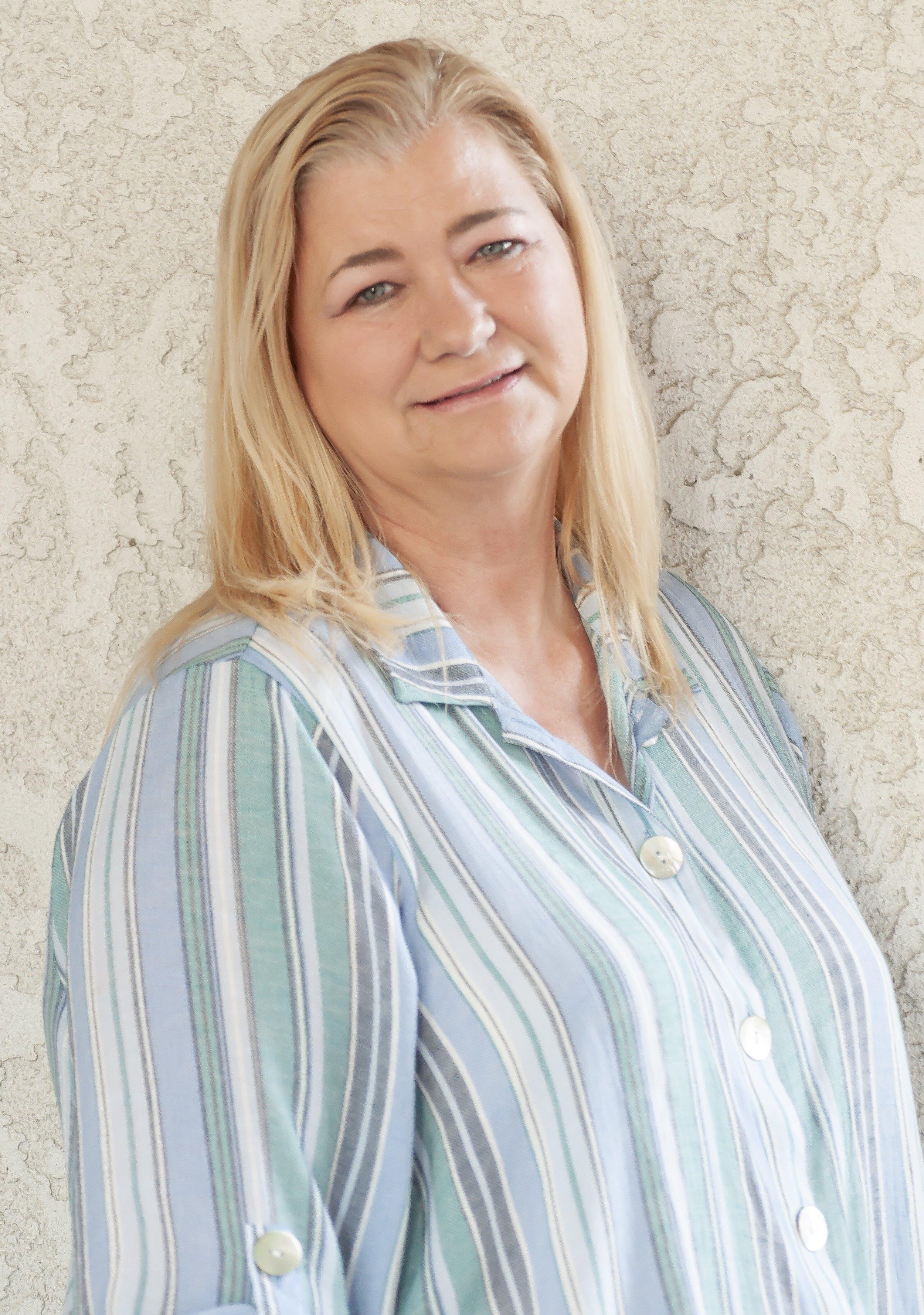 Diana Barnes-Fox, AMFT, APCC