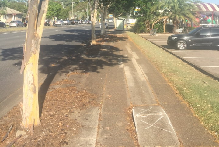 Wynnum Rd footpath (before).jpg