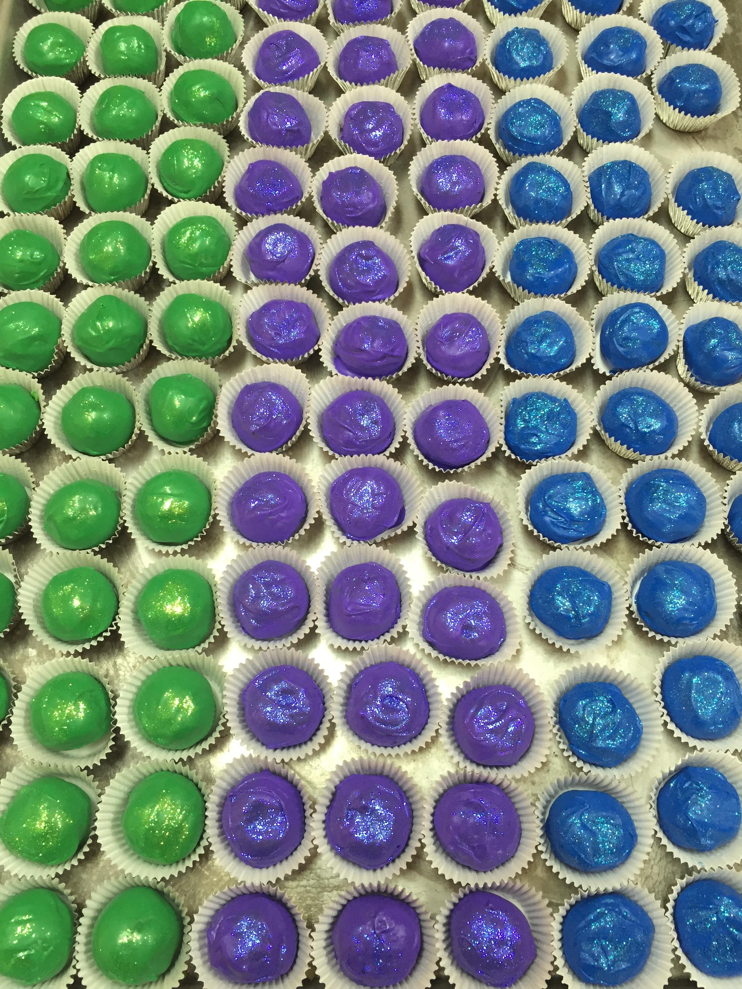 ColorfulCakeballs.JPG