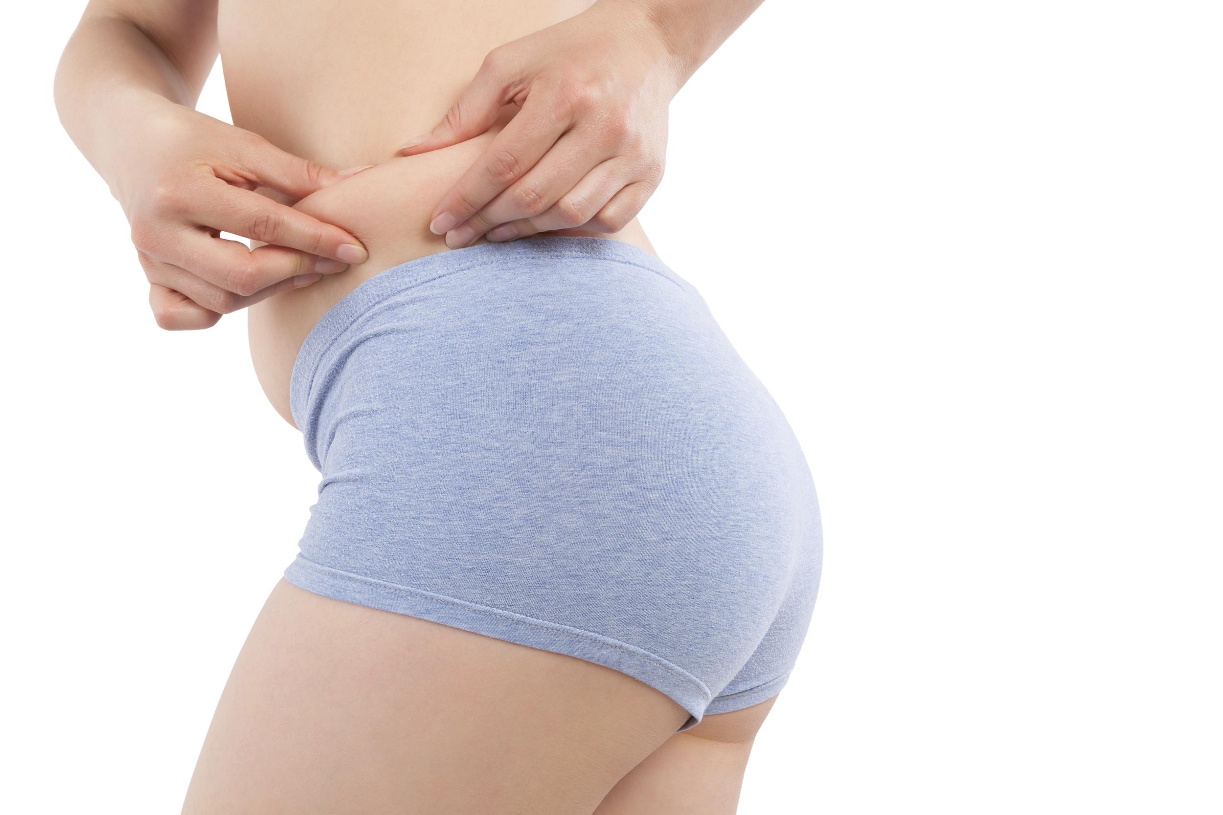 La torsoplastía mejora el contorno de la espalda alta y baja.