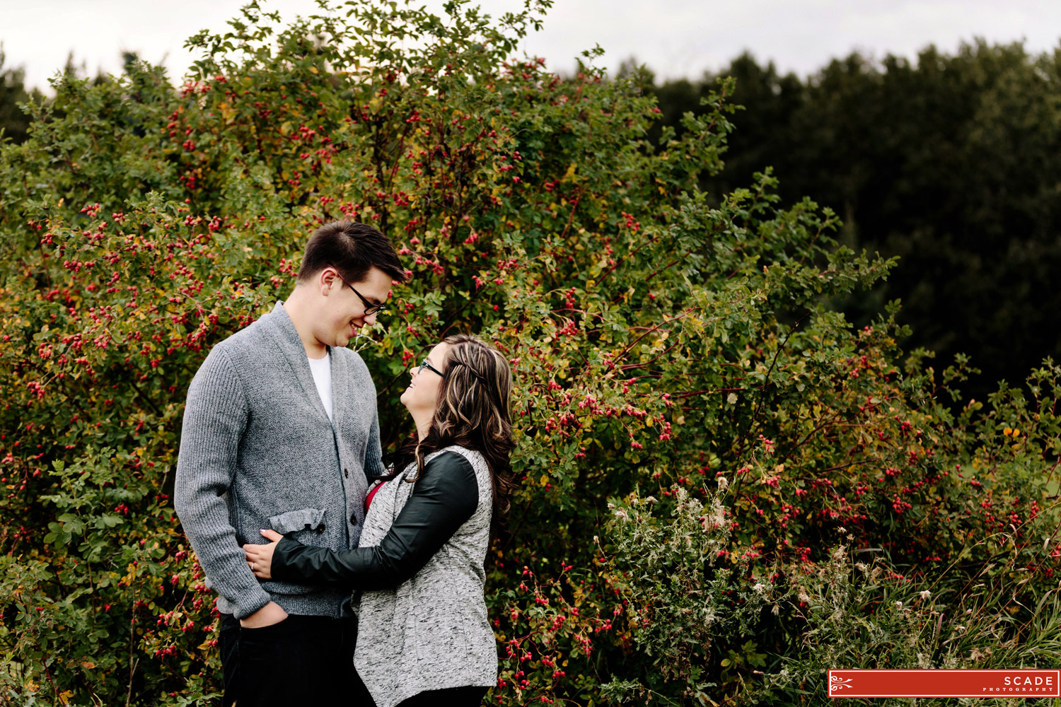 Edmonton Family and Engagement Session - Taylor and Natalia - 0007.JPG
