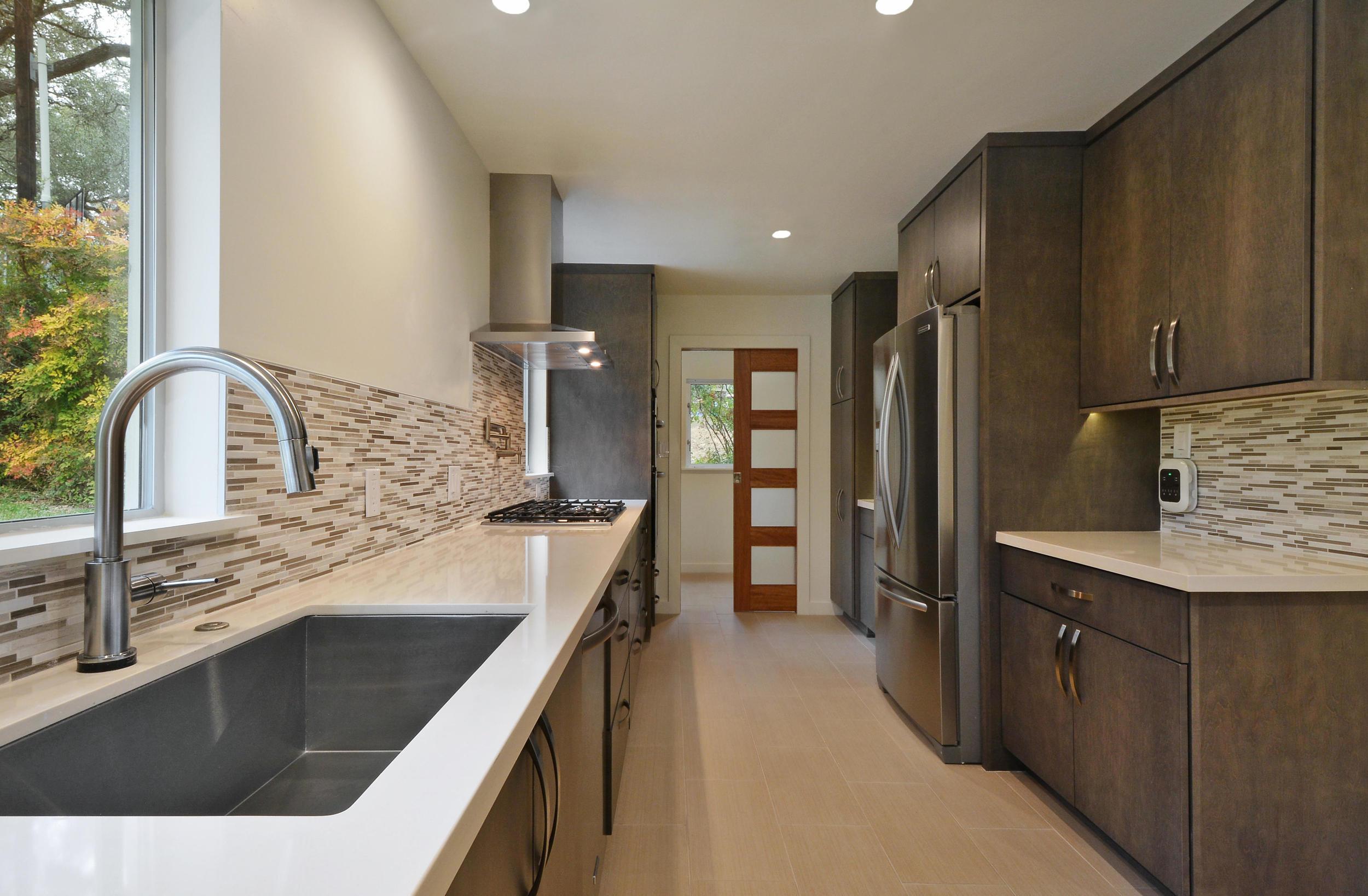 3319 Big Bend Drive-print-019-Kitchen and Breakfast 13-4200x2752-300dpi.jpg