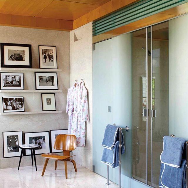@aerin @elledecor #bathroomdesign #interiordesign #interiors #designerhome #towelobsession #art #photomontage