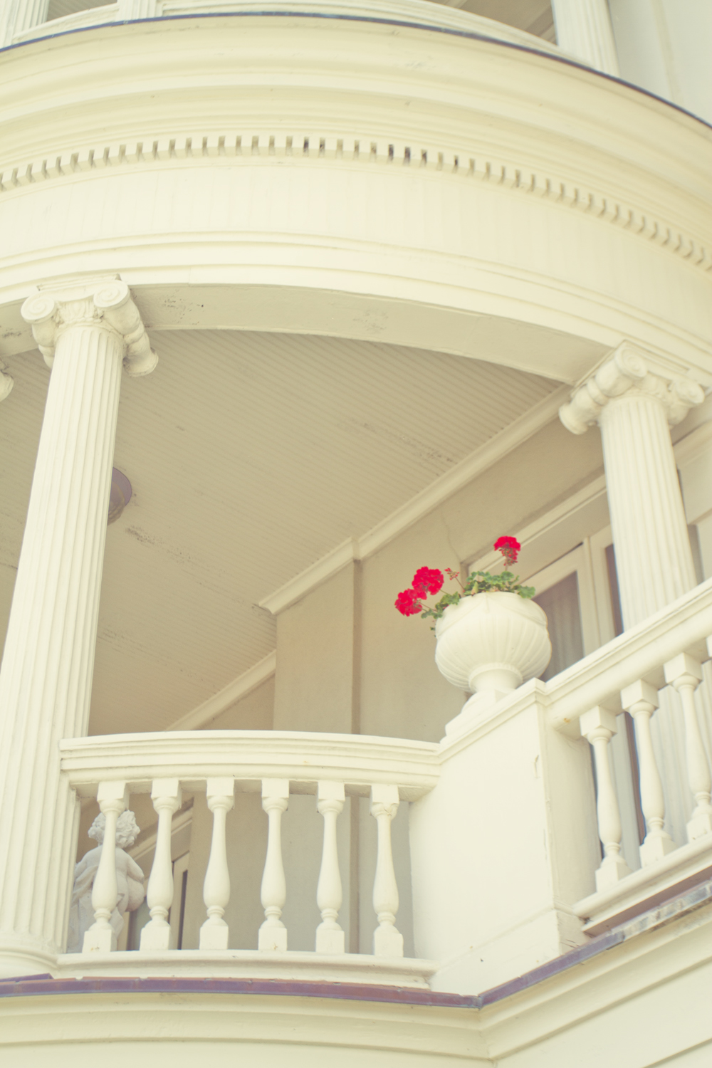The architecture in Charleston is ornate, charming, often very lavish.