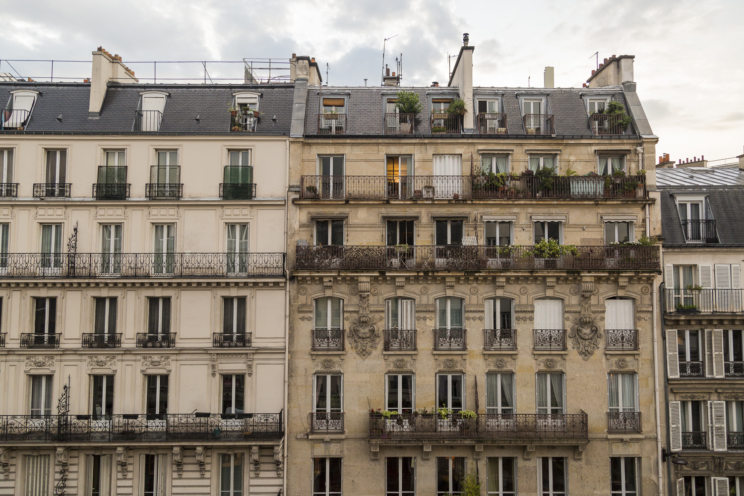 My room with a view. Parisienne architecture. Montparnasse.