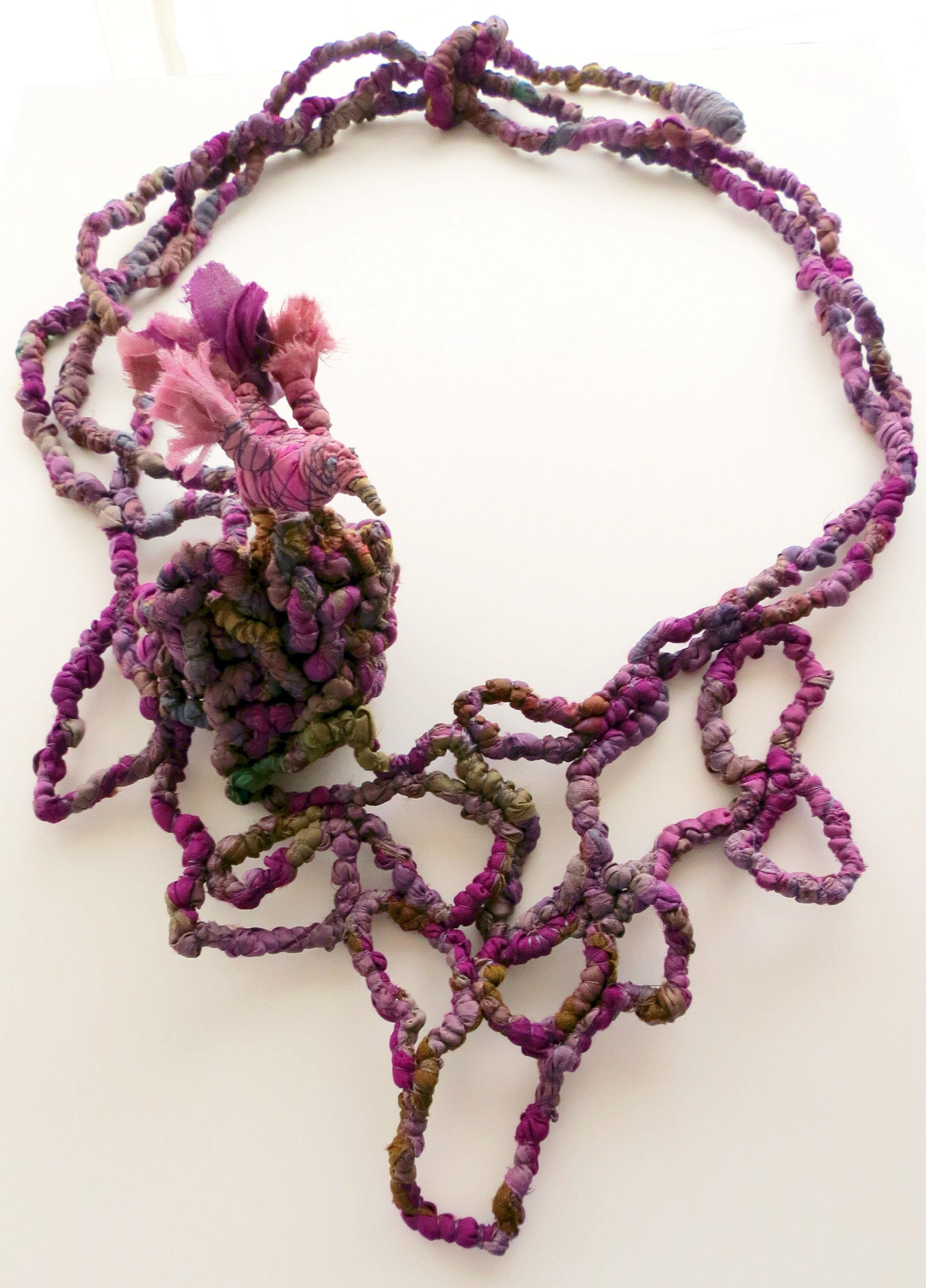Leaving the Nest - Francesca Cecchini (2014), necklace // Materials: repurposed sari silk, silk thread, copper wire.