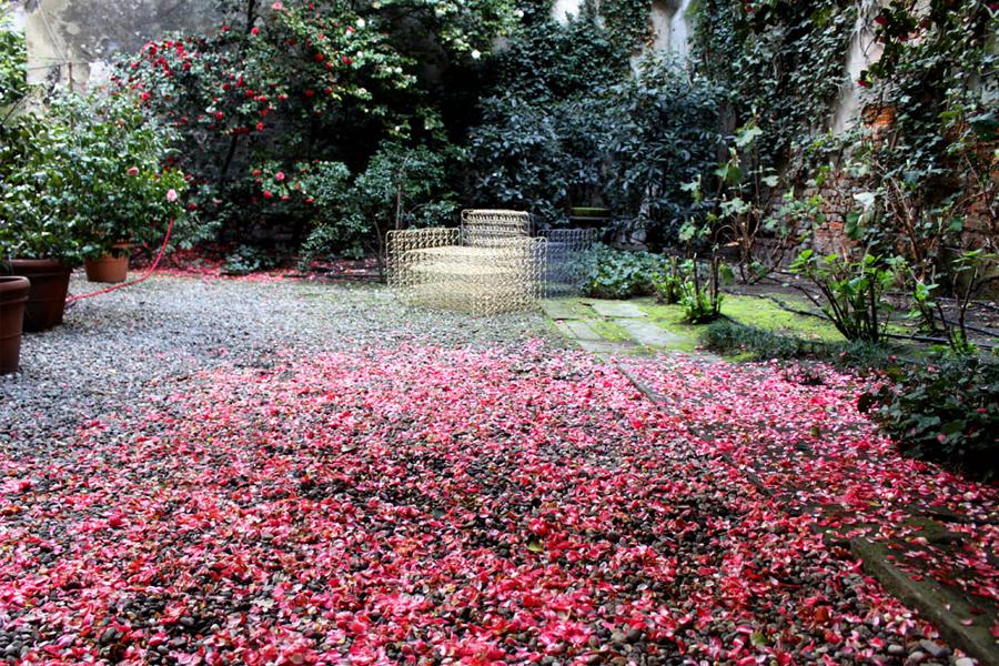 dej_au_garden.jpg