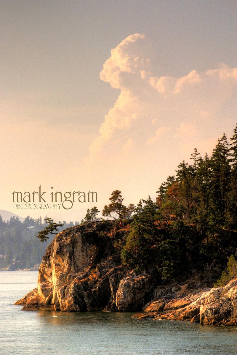 Nipple_Cloud_at_the_Cliff_Edge_by_Mark_Ingram.jpg