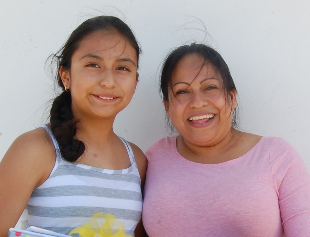 Southwest Creations, Hacia la Universidad: Employee Ana Maria and her daughter Evelyn, 7th grader