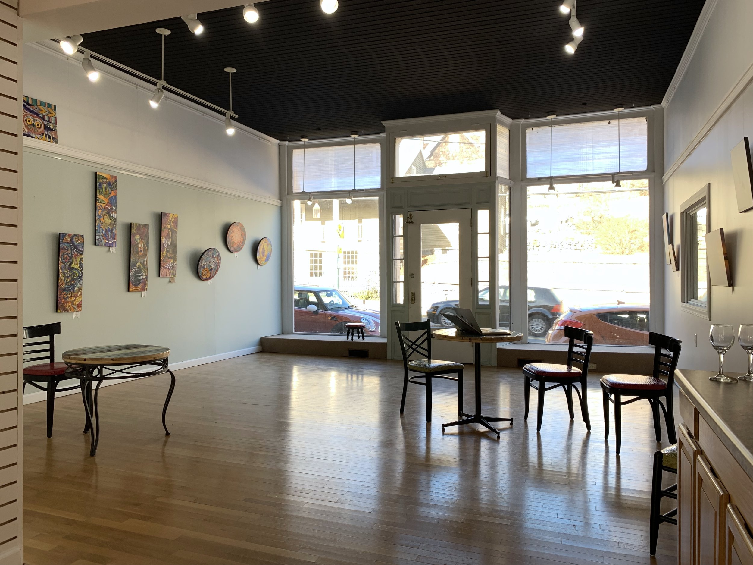 The gallery shop waiting for its open house and prospective new tenant!