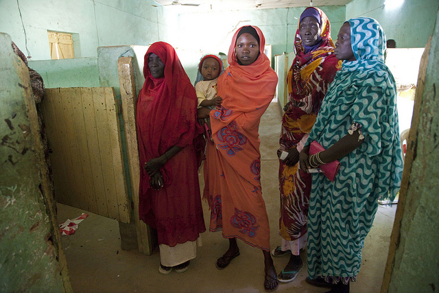 Women at a polling center in South Darfur. Image Source: Flickr/un_photo