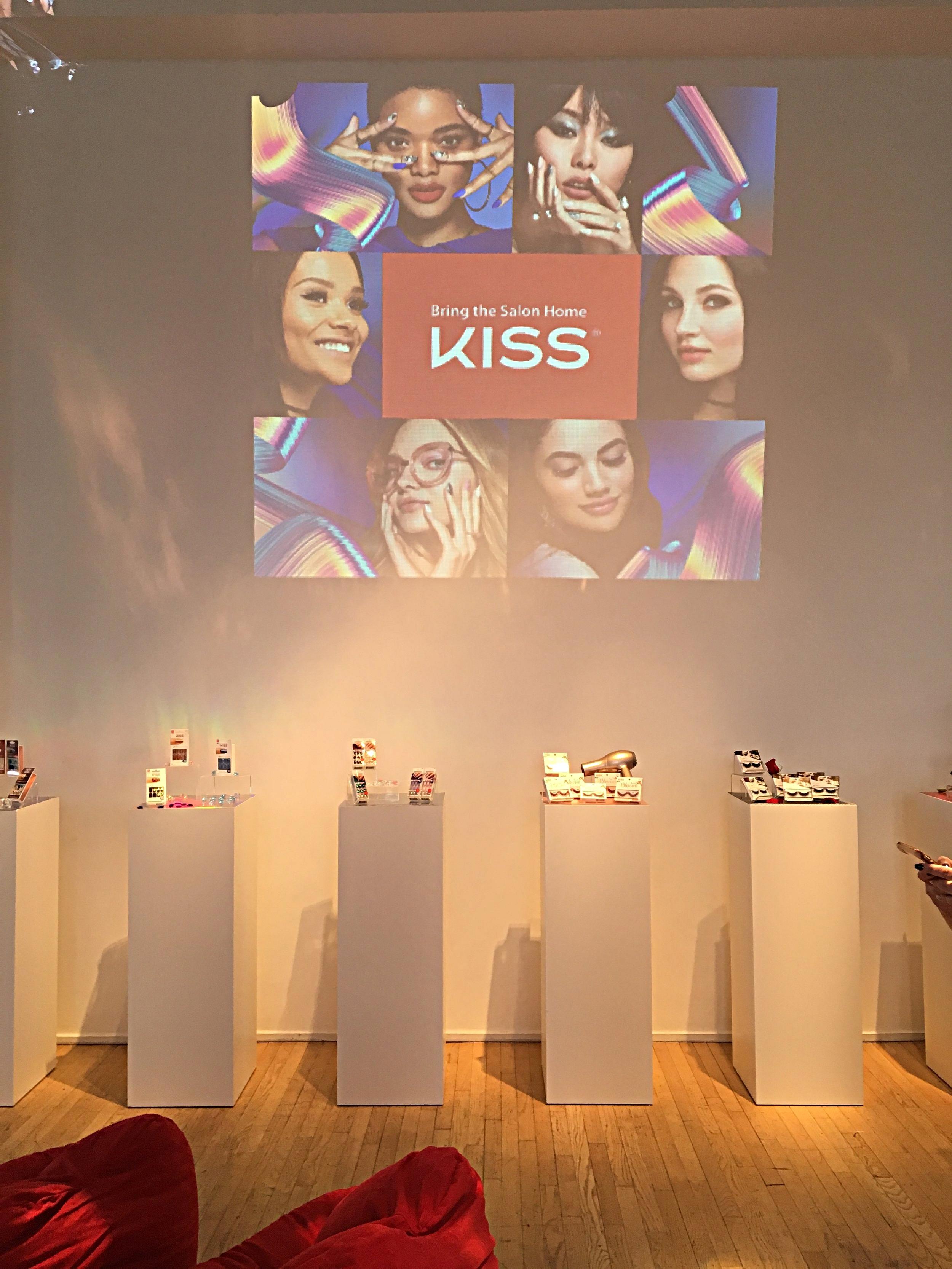 Kiss (27).JPG