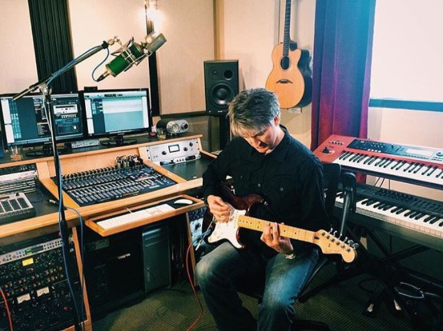 Friday in the studio. @fenderguitar  #producer #recordingstudio #guitar #electricguitar #nyc #engineroomaudio