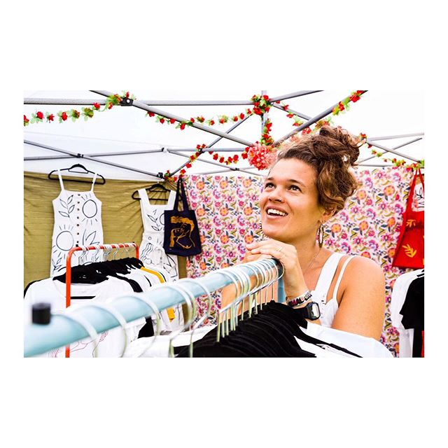 Cute shot from @adam.razvi from @primadonnafestival a couple of weekends ago. Had such a beautiful time. I love how quickly the seasons have changed... this felt like summer and now autumn licks my shoulders as I walk down the street. I have begun making stock for the winter markets, and it's bananas to think about it now, but get in early with your orders for Christmas to avoid disappointment! #primadonnafestival #womenwhomake #paintedclothing #ladylove #dungarees #colour #pattern