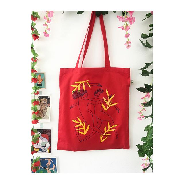 The sun is shining this late summer shine... and I'm thinking of all the new drawings. A wonderful week of work with @annahiggie has fired me up. #drawing #illustration #ladylove #design #totebags #colour #pattern #dancers #red #organiccotton #sustainablefashion #continentalclothing #screenprinting