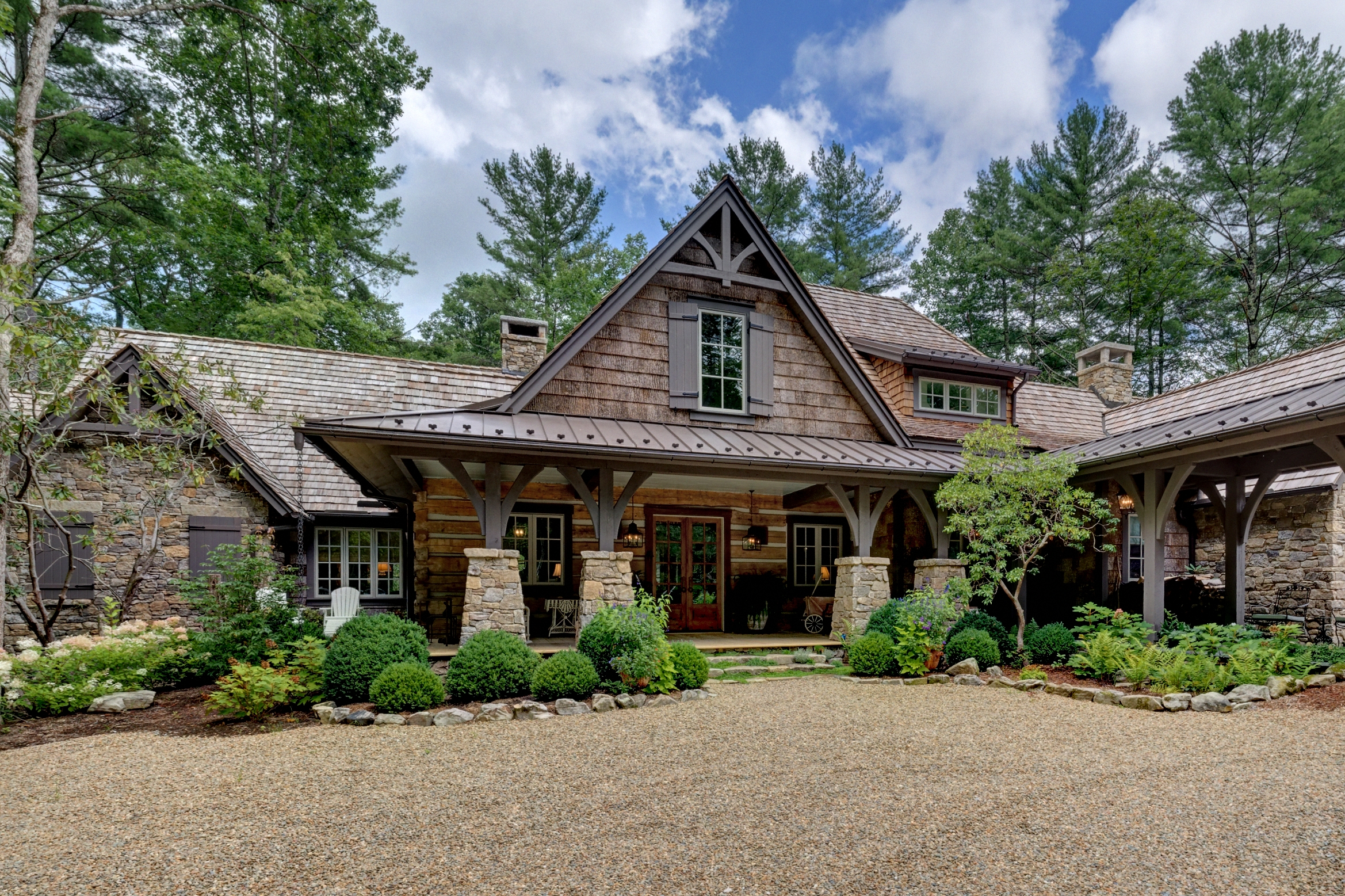 Click image to view home     The Cherokee Trail Home
