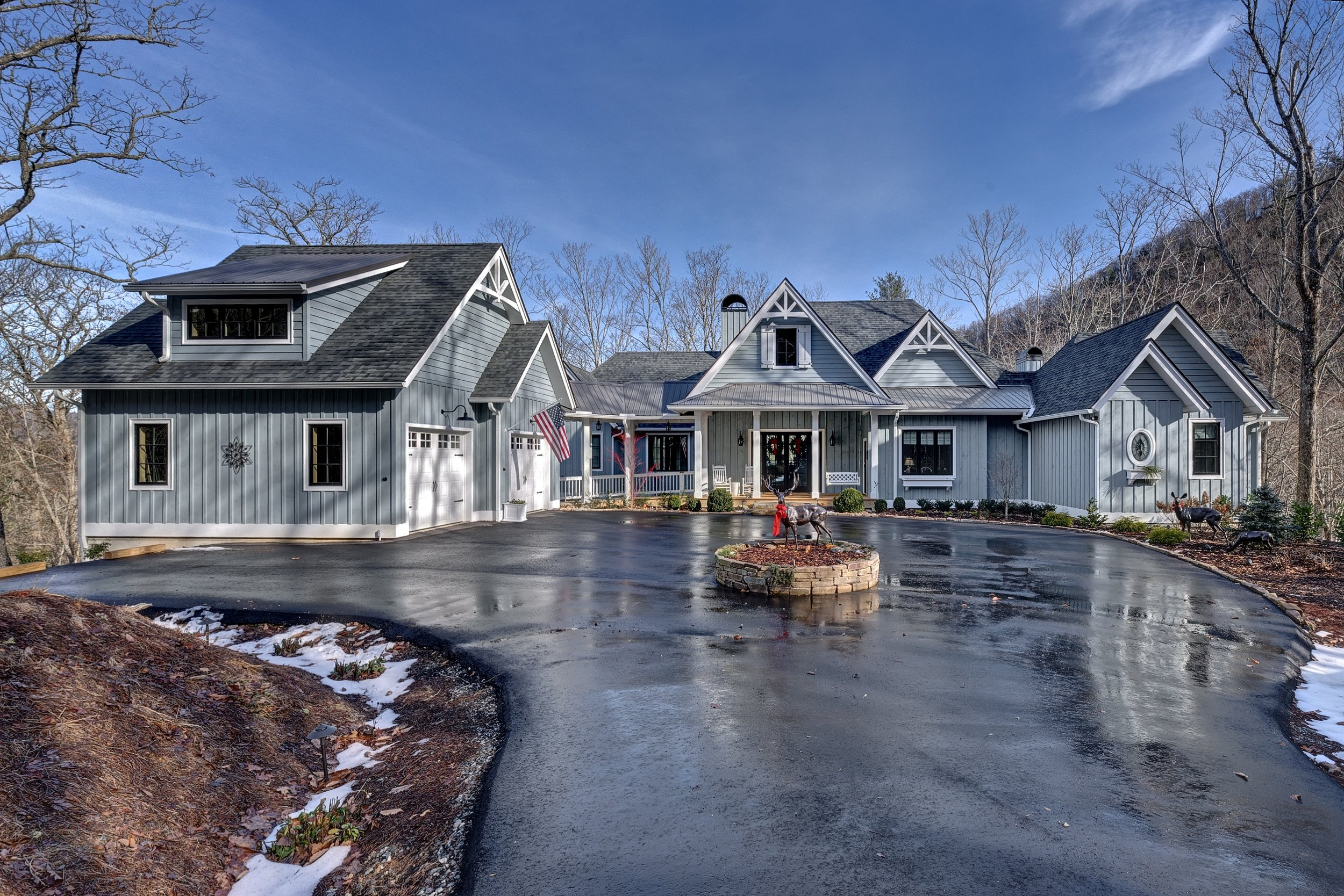 Click image to view home     The Nix Mountain Home