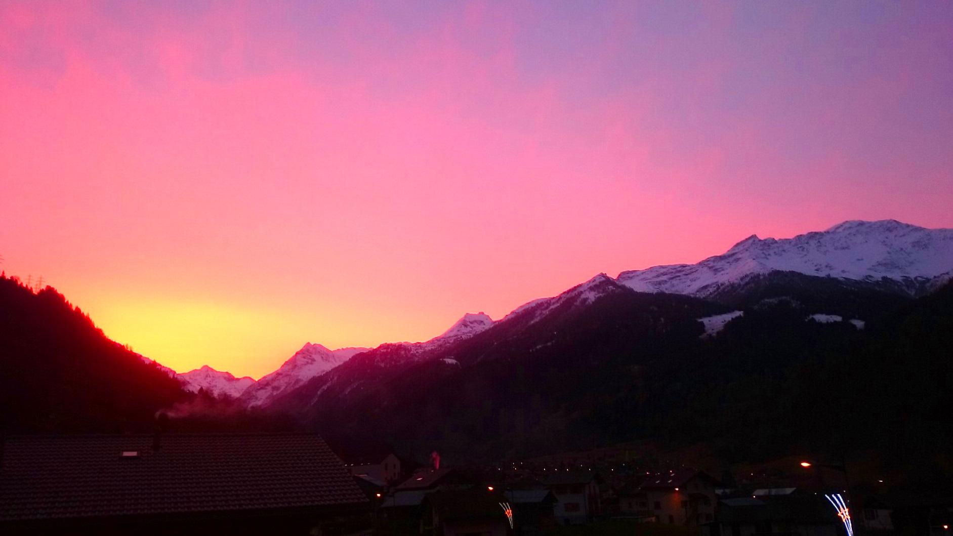 Vue sur le lever de soleil depuis le séjour