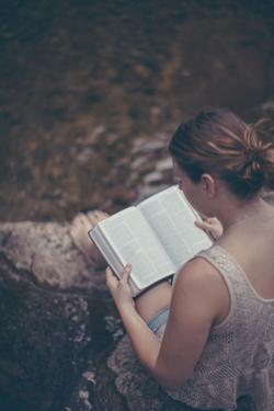 woman-bible-study-stream.png