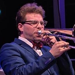 Dan Gabel playing.jpg