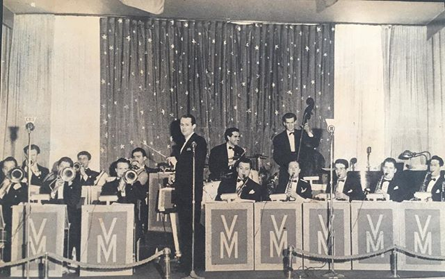 Here's the original Vaughn Monroe Orchestra in #Boston in 1940! We return this weekend to celebrate our #Veterans and #vwteransday 🇺🇸 11/10 @somerville_theatre  11/11 Stoughton #vintage #vintagephoto #1940s #history #bigband #swing #jazz #heroes