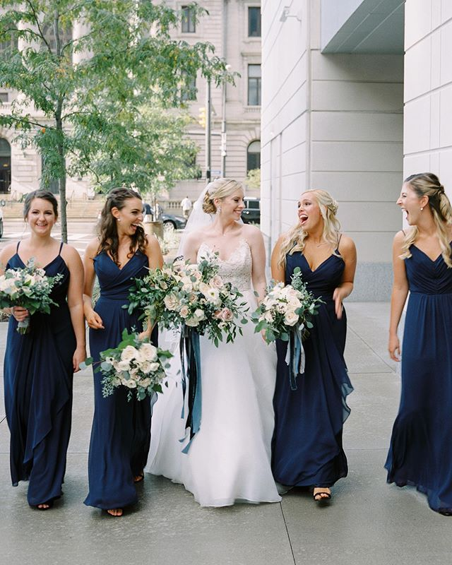 This midnight blue wedding at @lakeaffectstudios is unique and beautiful! 💙✨Check out the feature including details from our bride Sarah on @heyweddinglady today!! {link in bio}⭐️ Photography by @jennyhaasphotography  Event Planning Allison @kirkbrides  Floral Design by @thebuddingtree l Wedding Cake by @lunacakeshop | Wedding Dress by @carolinecastigliano | Bride's Shoes by @jimmychoo | Bridesmaid Dresses by @hayley page occasions | Headpiece by @twigsandhoney | Bridal Salon: @matinasbridal | Hair Styling by @visionhairdesign | Makeup by @beautytherapyinc | Groom's Attire from @brooksbrothers | Event Rentals from @borrow_curated | Event Linens from @eventsourcerental | Catering by @atasteofexcellence | Live Music by @clemusicgrp l Stationery Design by @lovelysomethingsweddings | @matchology  https://heyweddinglady.com/midnight-blue-organic-flowers-timeless-ohio-wedding/