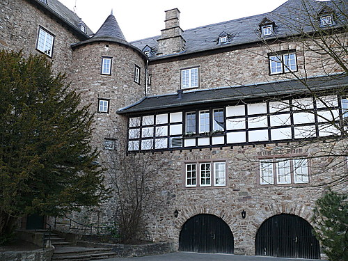 Blankenheim Castle highlights the twists and turns of history. We may think of it as German, but it dates from about 1115 … Germany only became a nation in 1871. In contrast, even Canada and the United States are old compared with Germany. Yet they are youngsters compared to the castle.