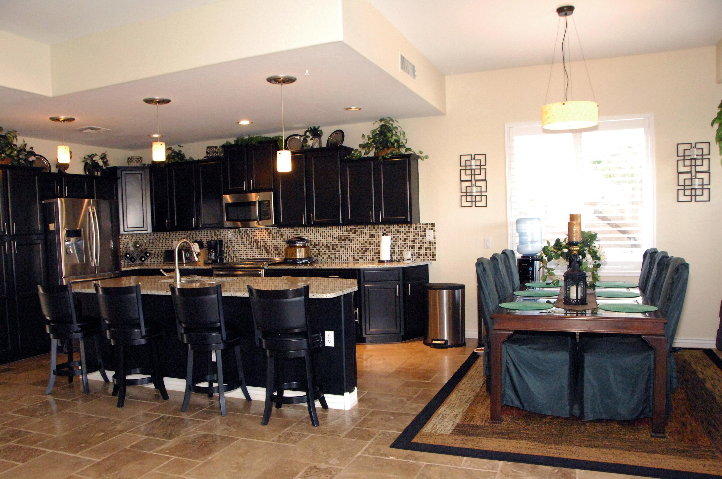 Kitchen Photo 2.JPG