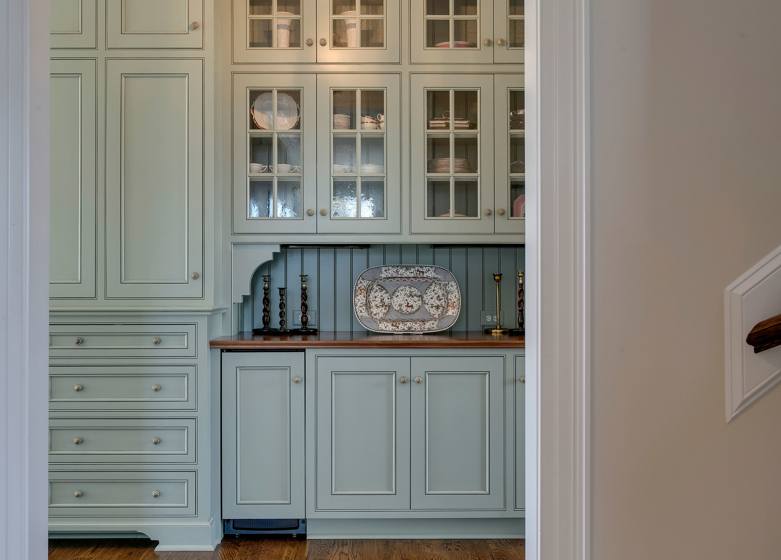 Colonial Hillside by Palley and Southard Designs