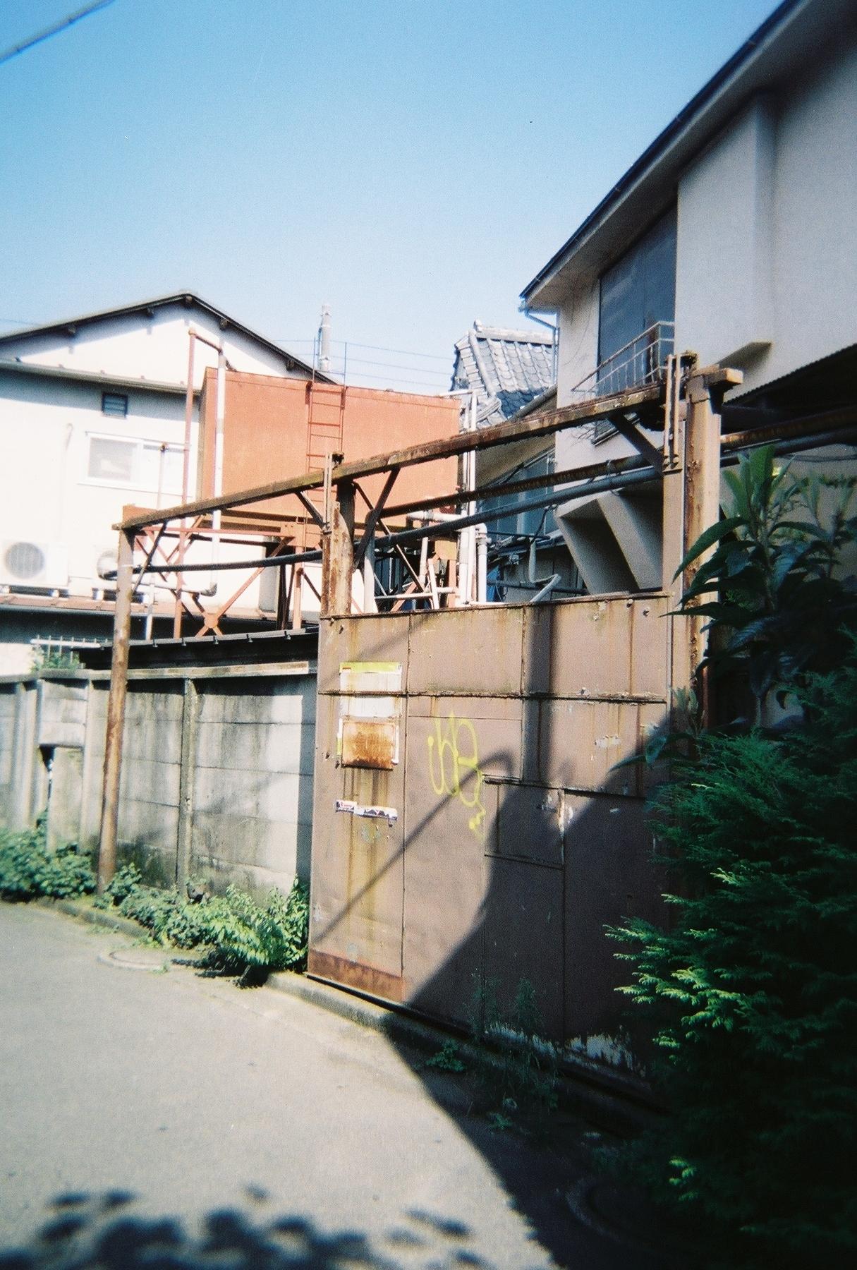R1-05749-0012.jpg